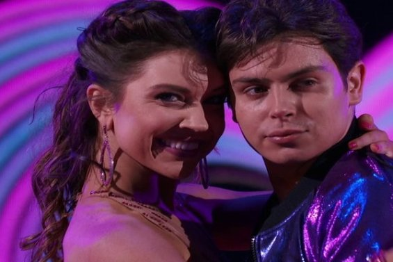 Dancing With The Stars Season 23 Episode 1: See actor Jake T. Austin and Jenna Johnson rock the DWTS stage with their amazing jive!