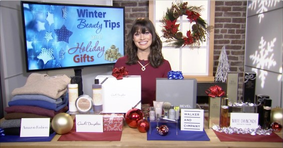 Beauty expert Rebekah George joined Candace Rose for an interview to share her top holiday gifts for fashion and beauty lovers.