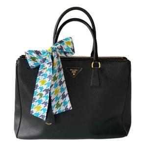 how to scarf styles handbag