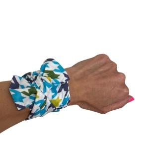 how to scarf styles wrist twilly