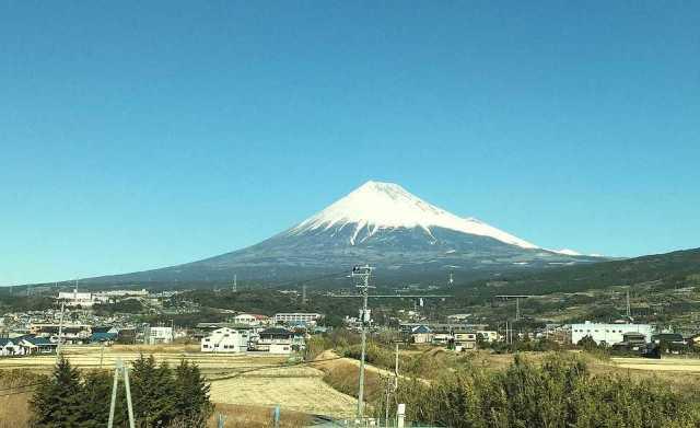 富士山を間近で見る