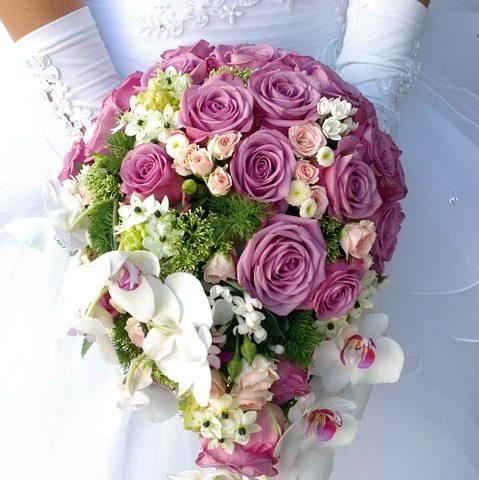 Brautstrau werfen  Brautstrauss kaufen  Ideen und Tipps