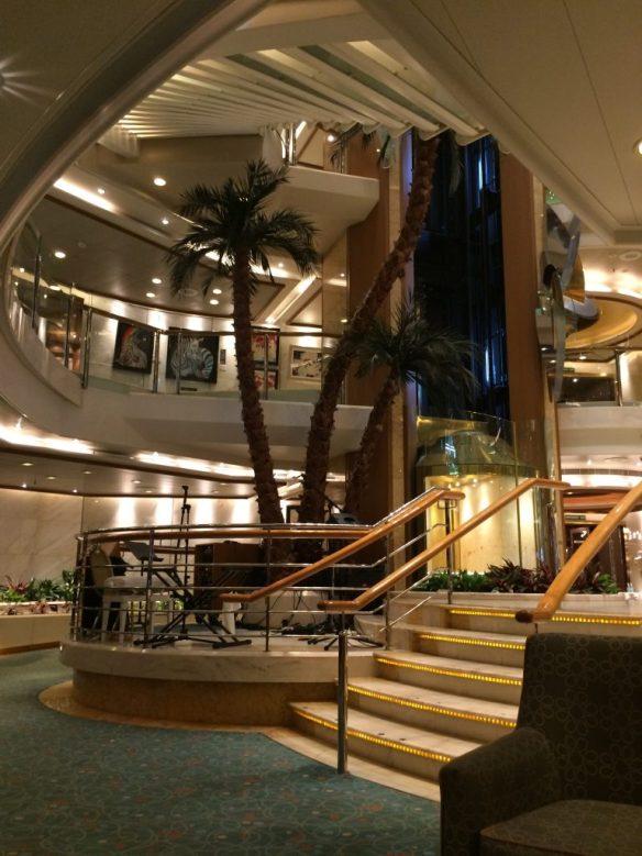 cruise ship, oceana, cruising for young couples