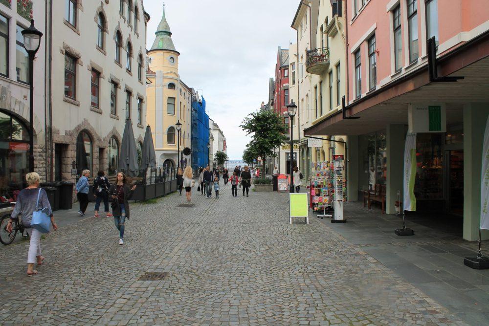 alesund highstreet, shops, norway