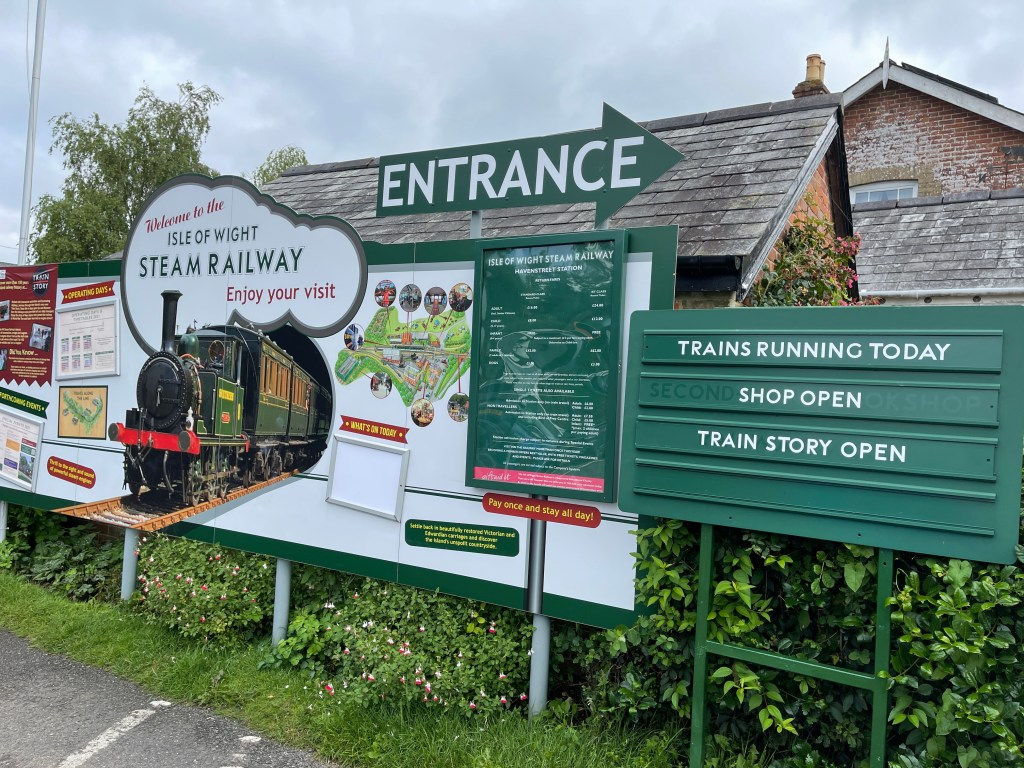 visiting isle of wight steam train