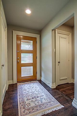 6202 Monticello Foyer