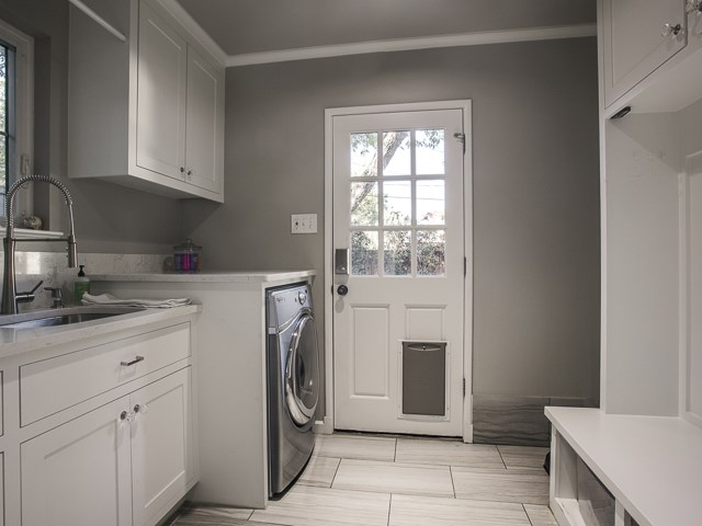 6159 Kenwood Mud room