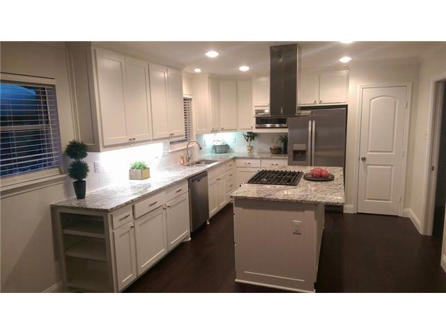 Absolutely beautiful kitchen!