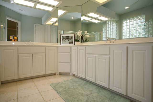 6017_wildwood_dr_MLS_HID995548_ROOMmasterbathroom