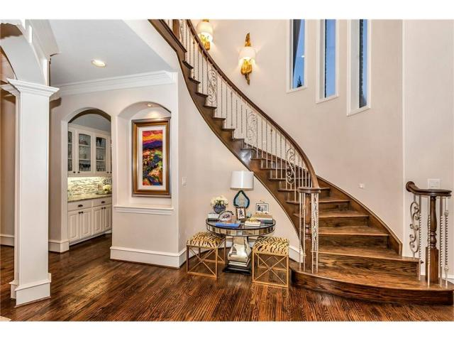 5504 Burkett Staircase