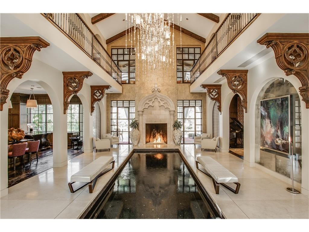 Real Housewives of Dallas Star Stephanie Hollman Nabs Turtle Creek Estate at Auction Let