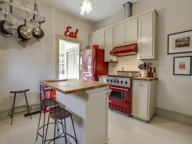 130 N. Edgefield Kitchen 2