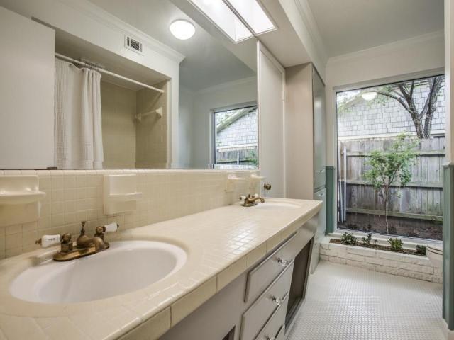 3356 Merrell Second Bath