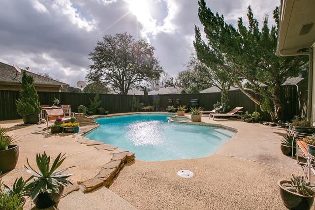 618 Tiffany Backyard