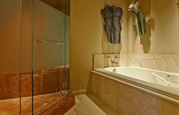 LaTour penthouse master bath I tub