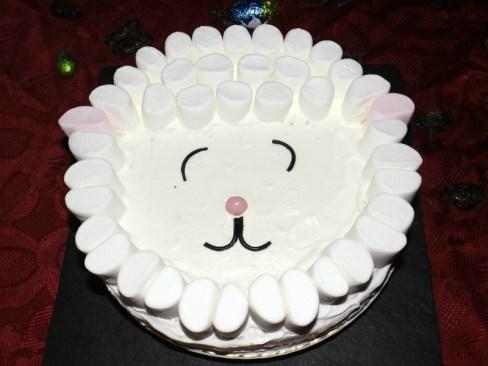 Gâteau moelleux à la vanille ( Mouton de Pâques ).jpg