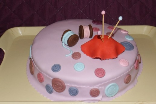 Gâteau pâte à sucre thème couture2