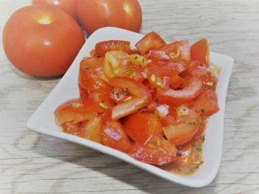 Salsa Criolla Argentine ( salade tomate et poivron ).jpg