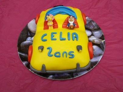 Voiture Oui-Oui en pâte à sucre ( 2 ans Célia )3