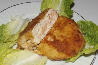 cordon bleu au saumon fumé et au fromage à l'ail et aux fines herbes2
