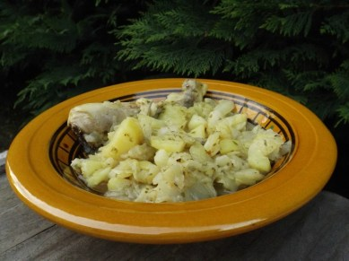 tajine de poulet, pommes de terre et chou vert2