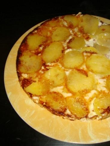 Gâteau de pommes de terre, rosette et reblochon