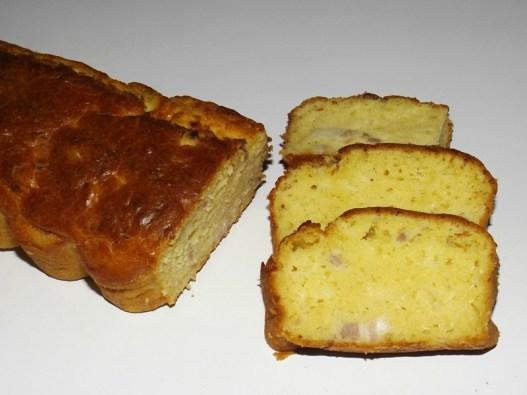 Cake aux oignons et aux lardons façon flammekueche.jpg