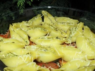 Conchiglioni au pesto sur lit de tomate2