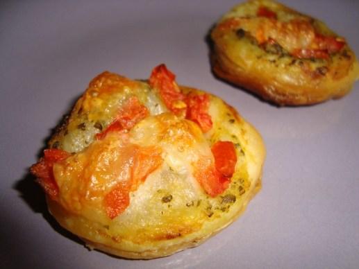 Tartelette feuilletée apéritive au Pesto.jpg