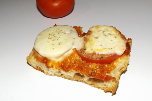 Tartines tomate mozza.jpg