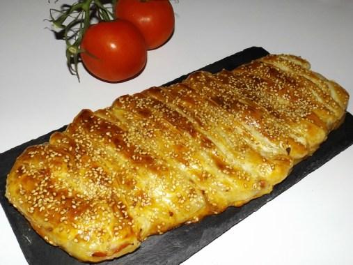 Tresse feuilletée à la Taponata et aux tomates.jpg