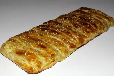Tresse feuilletée au saumon fumé, poireau et fromage ail et fines herbes