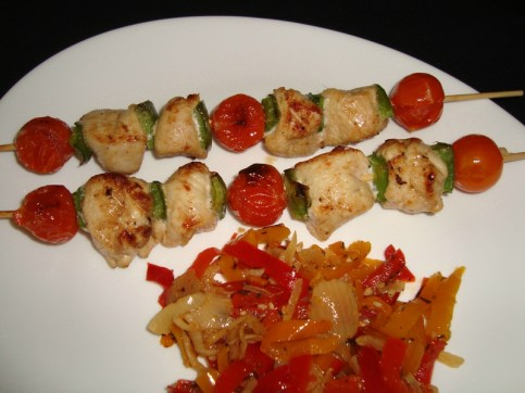 Brochettes de poulet tandoori aux tomates cerise et au poivron vert2