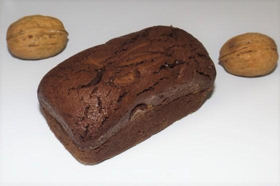 Gâteau au chocolat noir et à l'huile de noix