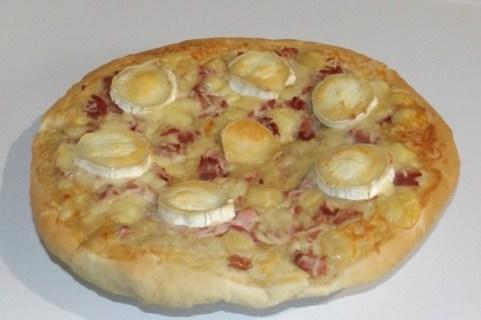 Pizza aux 4 fromages et au jambon fumé.jpg