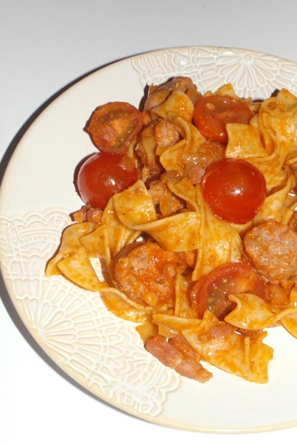 Saucisse et tagliatelle sauce tomate2