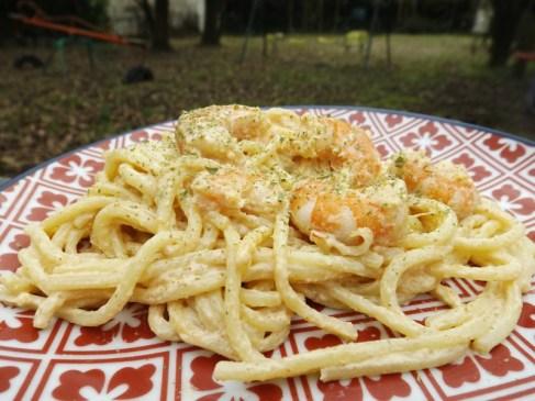 Spaghetti aux crevettes, sauce crémeuse à l'ail et paprika2