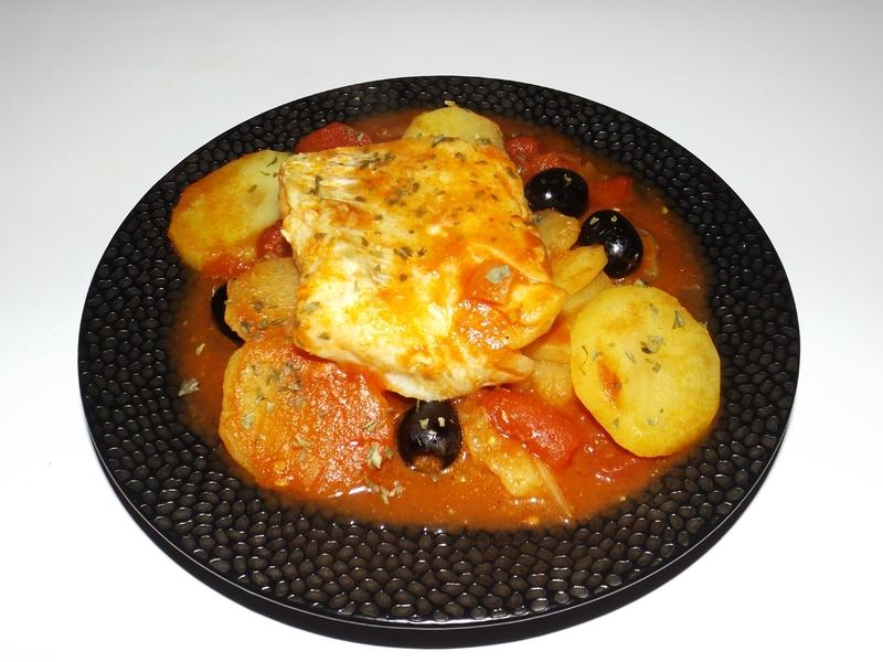 Cabillaud à la tomate, aux pommes de terre et au fenouil.jpg