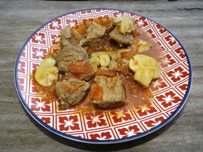 Estafodo de carne ( ragoût de viande ) Recette argentine.jpg