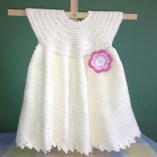 Beyaz-bebek-örgü-elbise-modelleri-2014