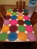 Renkli Yuvarlak Masa Örtüsü Örnekleri