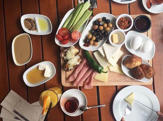 Kirpi Cafe kahvaltı