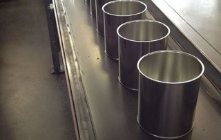 Smooth Tin Cans on conveyor belt in Can It's factory