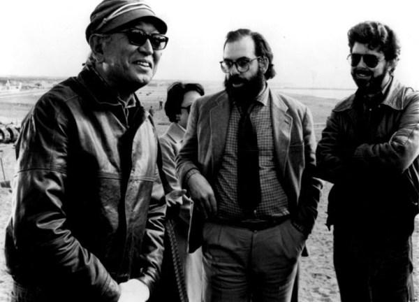 Akira Kurosawa recibiendo en el set de rodaje a Francis Ford Coppola y George Lucas