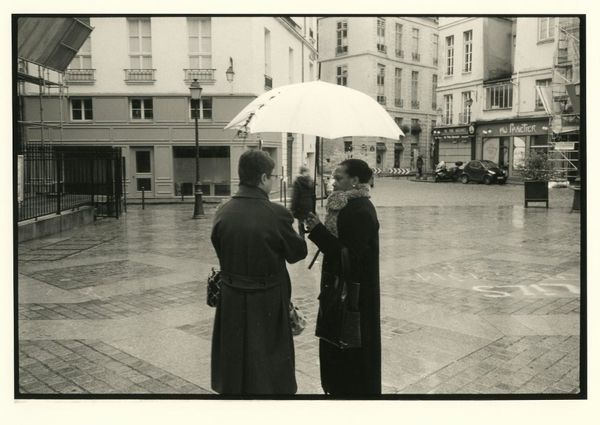 pantsios-Ascherman-two-women-with-a-white-umbrella-paris-1989
