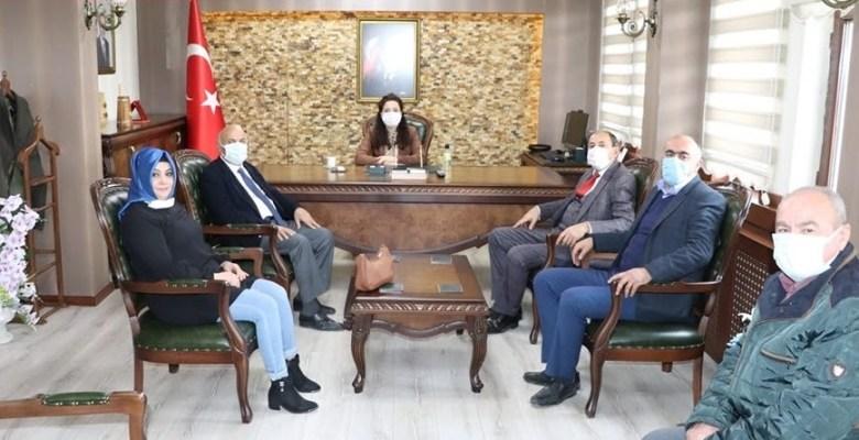 Atkaracalar Kaymakamı Olarak Atanan Seher Söyler' i Belediye Başkanları Ziyaret Etti