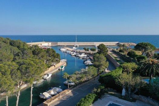 Puerto Deportivo Sant Jordi d'Alfama españa costa dorada España
