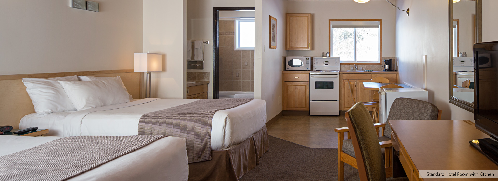 Kitchen Room Bedroom Hotel Room With Kitchen At The Rocky Mountain Ski Lodge In Canmore