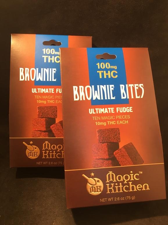 Magic Kitchen Ultimate Fudge Brownies 100mg  Edible