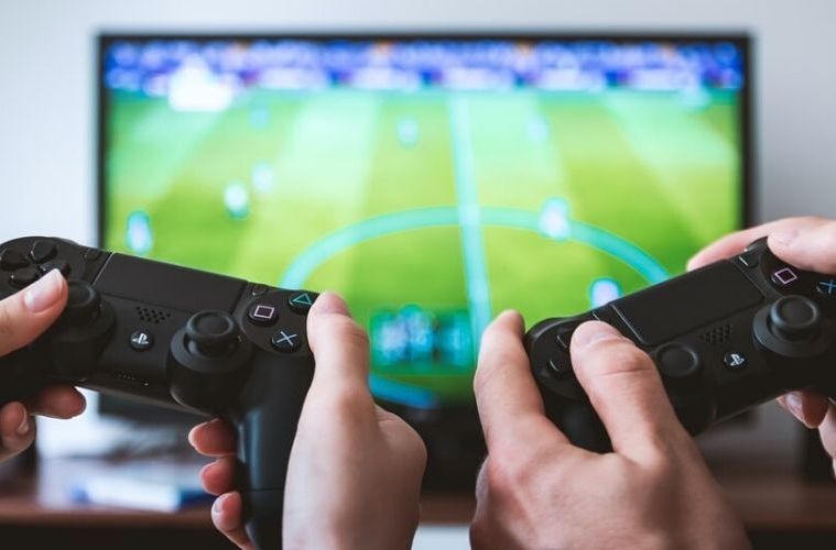 7 Cannabis Strains to smoke before playing video games